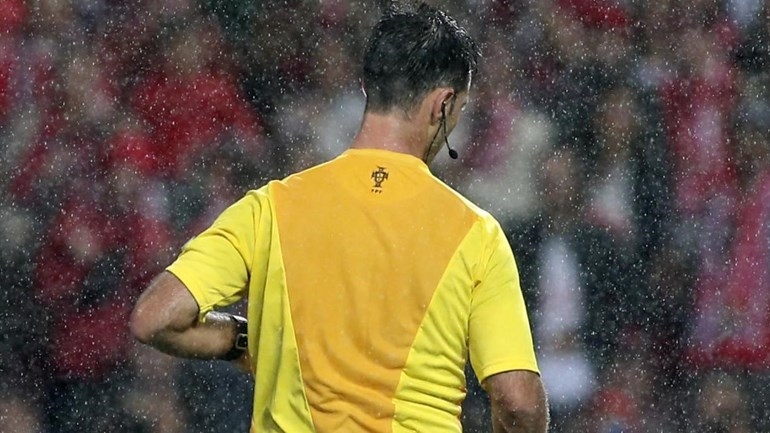 Há um árbitro que marca mais penáltis do que qualquer outro