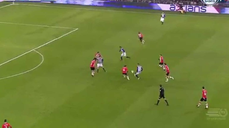 Quem diz que os suecos só são bons para marcar golos?