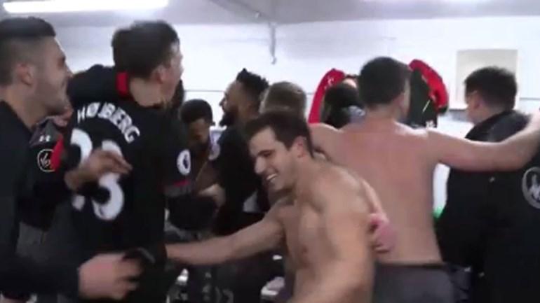 Festa rija no balneário do Southampton após passagem à final da Taça da Liga inglesa