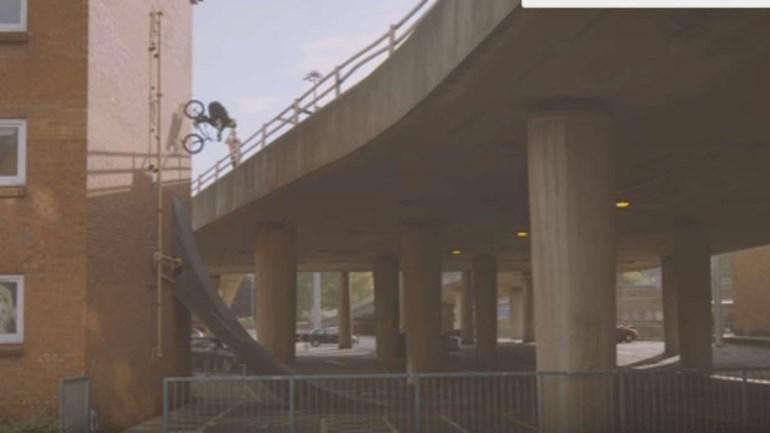 Se acha que sabe andar de bicicleta... Veja este vídeo!