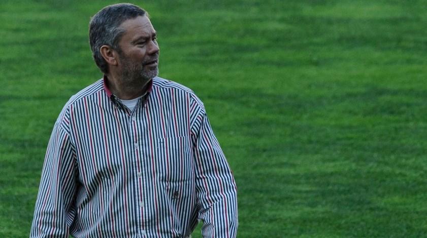Carlos Pereira: «Reforçar a equipa mas sem euforias»