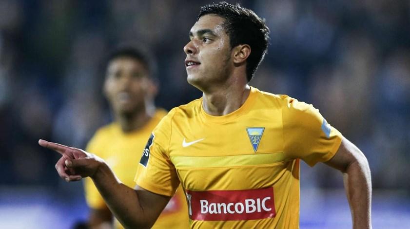 Estoril-Académica, 2-1: Canarinhos estão nas meias-finais