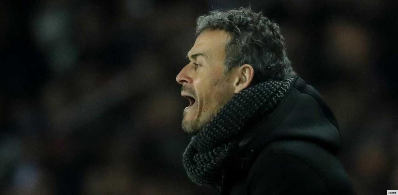 Treinador do Barcelona irritado por os adeptos terem assobiado André Gomes