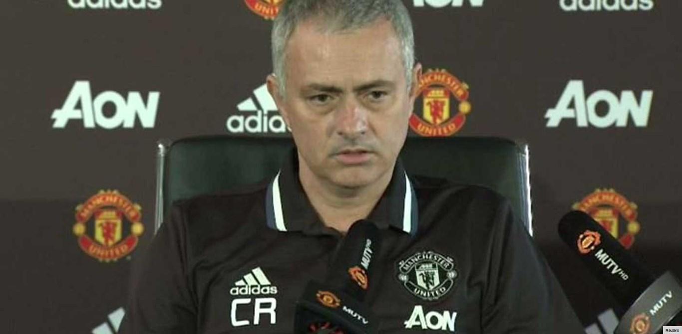 Mourinho: «Estádio do Leicester deveria chamar-se Claudio Ranieri»
