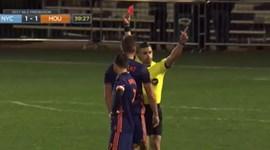Vídeo-árbitro 'denuncia' estalo de David Villa