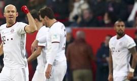Bayern triunfa com dois golos ao cair do pano