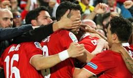 Sevilha vence em Las Palmas e segue colado ao Barcelona
