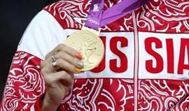 Só um atleta russo condenado por doping entregou medalha olímpica ao COI