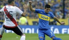 Jonathan Silva pede desculpa pelo desentendimento no treino com Juan Insauralde