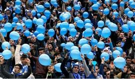Irão: Oito mulheres impedidas de entrar num estádio para assistir a jogo de futebol