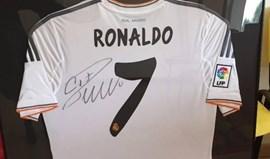 Camisola de Ronaldo em leilão