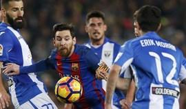 Messi dá vitória ao Barcelona à beira do fim