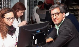 Bruno de Carvalho com novo visual: emblema do Sporting gravado nas lentes