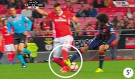 Os casos do Benfica-Chaves: do vermelho perdoado ao penálti... por assinalar