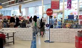Layún revoltado com cenário de loja de brinquedos em Gaia