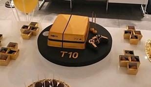 O vício de Talisca... num bolo de aniversário