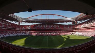 Há dois gigantes ingleses entre os 'espiões' do Benfica-Chaves