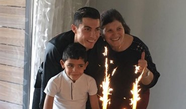 Mãe e filho já cantaram os parabéns a Ronaldo