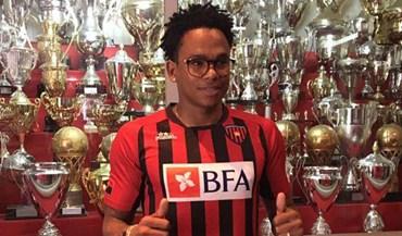 Rambé assina pelo campeão angolano