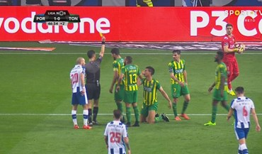 Osorio foi expulso depois deste lance com Soares