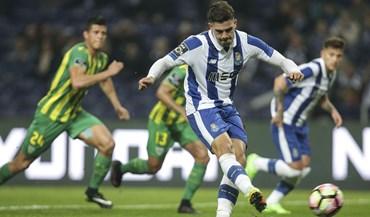 A crónica do FC Porto-Tondela, 4-0: Empurrão providencial