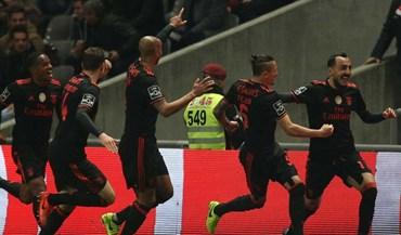 Mitroglou arrastou consigo toda a equipa do Benfica para a festa