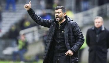 Leicester negoceia com Sérgio Conceição
