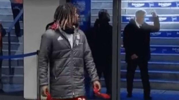 O gesto de Ancelotti que está a gerar polémica na Alemanha