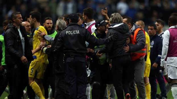 As imagens da confusão no Boavista-FC Porto