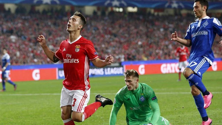 Benfica contrata volante brasileiro revelado pelo Bahia