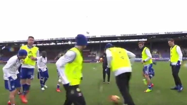 Terá sido por causa deste aquecimento que o Chelsea empatou com o Burnley?