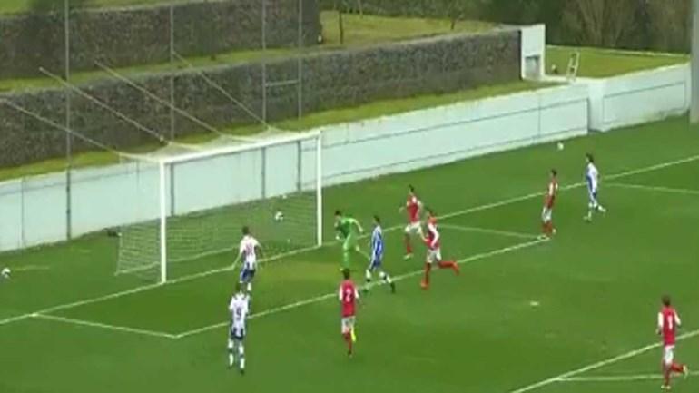 Filho de António Folha conclui jogada brilhante dos iniciados do FC Porto
