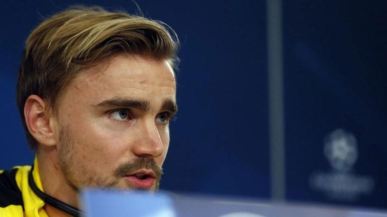 Dortmund desperdiça chances e Benfica vence jogo de ida em casa