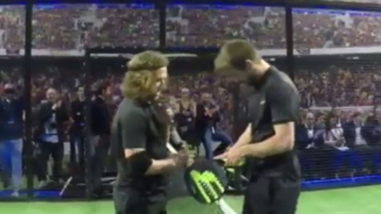 Barcelona promove padel com ajuda de Piqué e Puyol