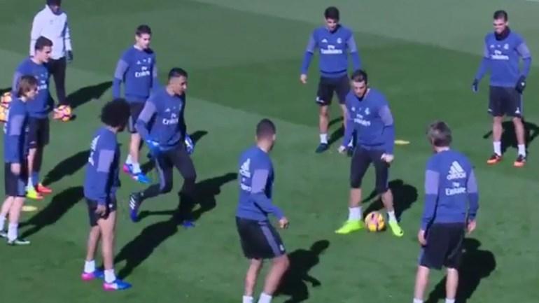 Cristiano Ronaldo sofre 'túnel' de Casemiro... e Marcelo delira!