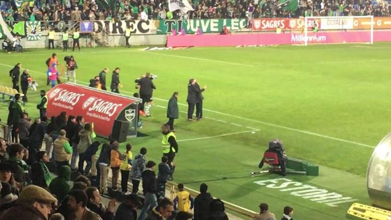 Bruno de Carvalho deu forte abraço a Jesus após vitória na Amoreira