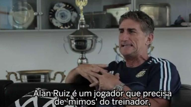 Selecionador argentino diz que Alan Ruiz necessita de mimos do treinador