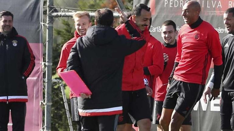 Jonas renova com o Benfica