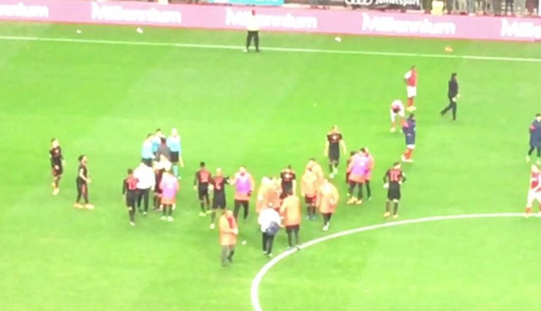 Rui Vitória reencontrou o árbitro que o expulsou e fez isto