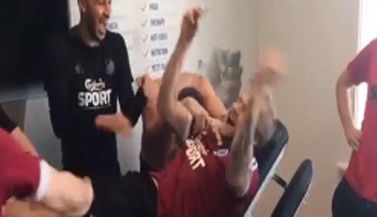 Foi esta a reação dos jogadores do Copenhaga ao sorteio da Liga Europa
