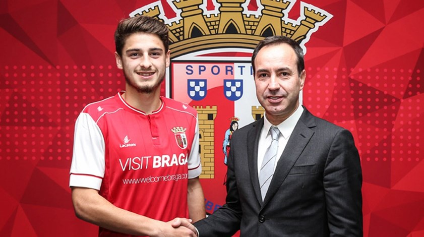 Bruno Xadas renova até 2022