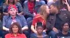Ignorou a namorada e ela... beijou outro!