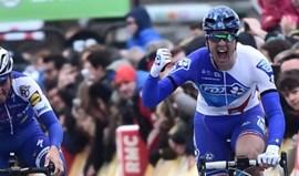 Arnaud Démare vence primeira etapa do Paris-Nice