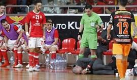 Cotovelada ao treinador do Benfica pode valer suspensão