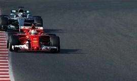Ferrari fechou a boca, carregou no acelerador e deixou a Mercedes a pensar
