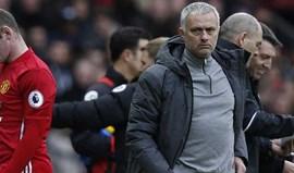 Mourinho deixa Rooney e Shaw fora do jogo da Liga Europa