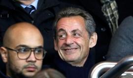 Sarkozy gritou 'Hala Madrid' no golo de Cavani e a segurança de Camp Nou teve de intervir