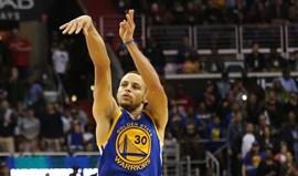 Stephen Curry ultrapassa o pai na lista de melhores marcadores da NBA