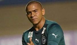 Walter assina pelo Atlético Goianiense
