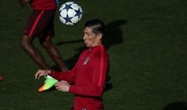 Torres convocados para recepção ao Bayer Leverkusen